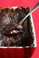 Bolo de pudim de chocolate quente de framboesa