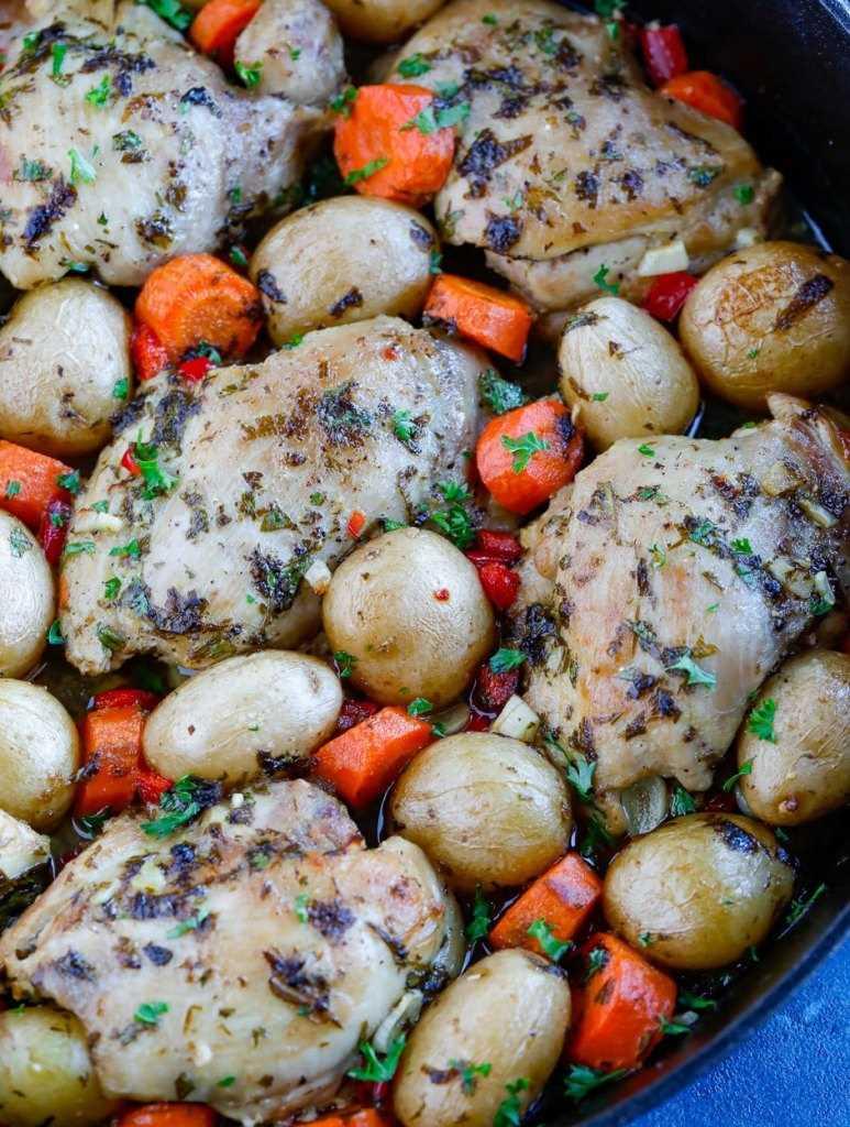 frango assado e batatas