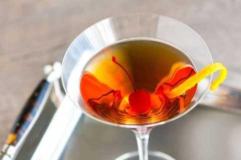 Receta clásica de cóctel Bourbon Manhattan