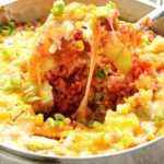 Receta de arroz con salsa de queso con calabacín y maíz
