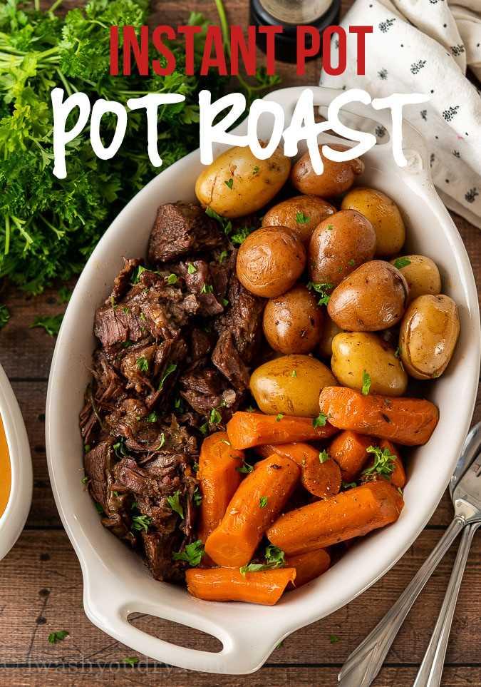 Assado instantâneo com batatas e cenouras