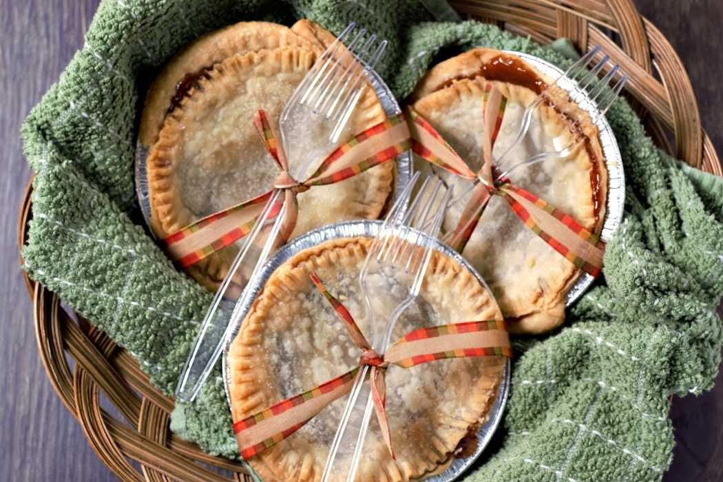 3 mini empanadas de manzana y caramelo para fiestas o fiestas