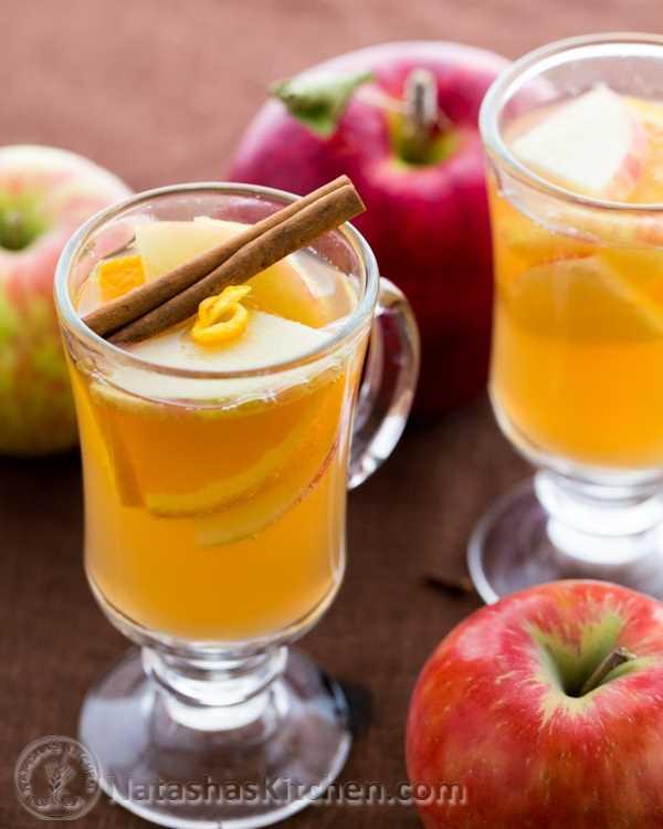 Esta sidra de manzana y miel es una receta maravillosa para el otoño. Las manzanas son baratas, crujientes y deliciosas. Puedes usar cualquier variedad de manzanas para esta receta.