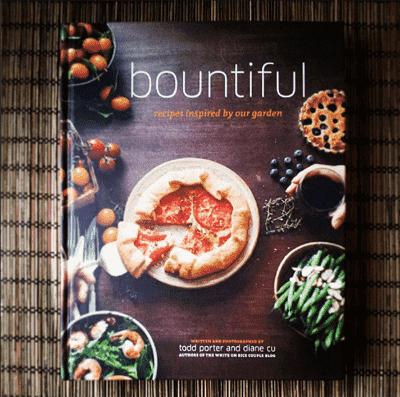 Abundante libro de cocina de White on Rice Couple