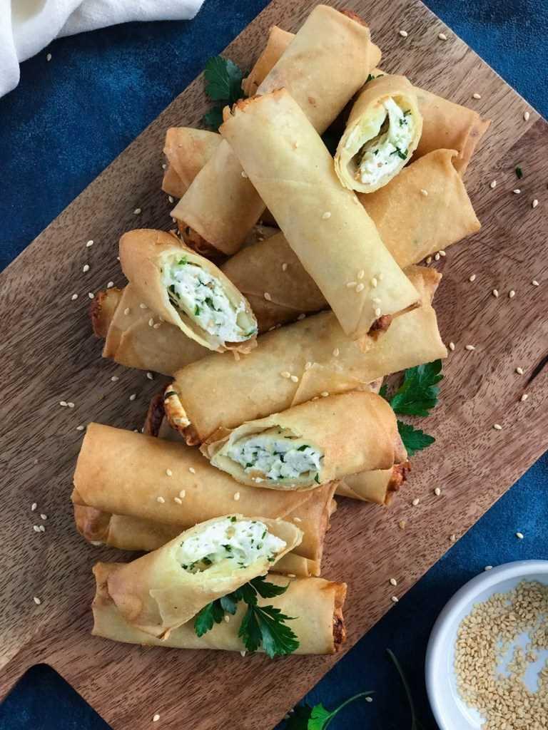 Rolinhos de queijo libaneses (رقاقات بالجبنة, Rakakat Jibneh)