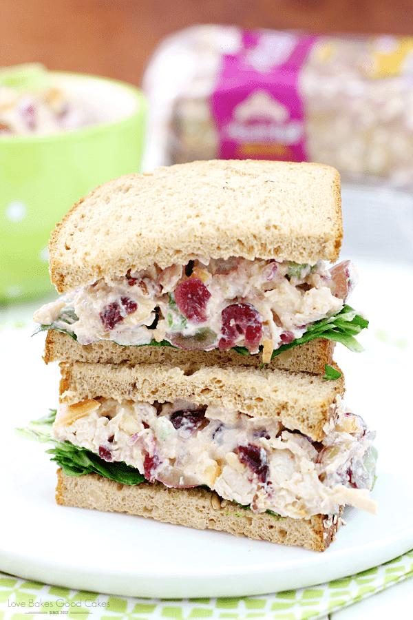 ¡Esta es la receta perfecta de un sándwich de ensalada de pollo más ligero! ANUNCIO