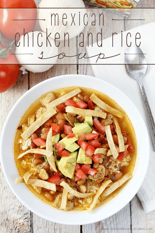 Esta sopa mexicana de frango e arroz é rápida de preparar e cheia de sabor! Comece rapidamente com o caldo de galinha Swanson! #SwansonSummer #Ad
