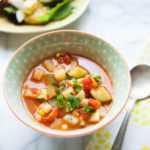 Sopa de tomate y calabacín