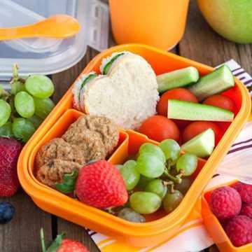 Cómo empacar almuerzos saludables para niños rápidamente. Aquí hay simples consejos sobre cómo empacar ideas para almuerzos saludables que a los niños les encantarán.
