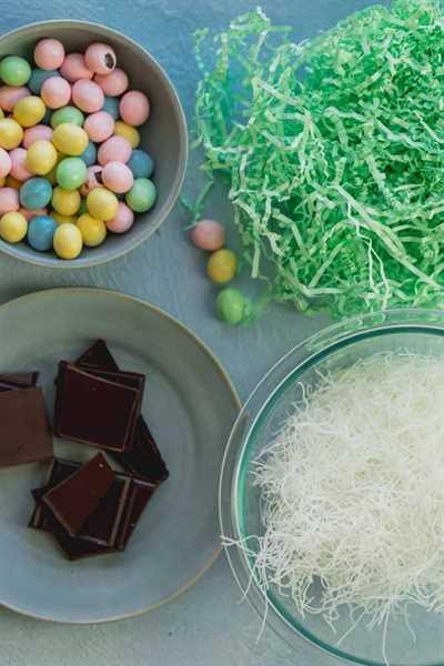 Estos Nidos de chocolate de Pascua son una delicia adorable para hacer con tus hijos. Son súper lindos, divertidos de hacer y muy deliciosos. Usé arroz con fideos con chocolate derretido y moldeé alrededor de un molde para panecillos para hacer los nidos, una idea creativa de manualidades para niños con un divertido regalo para comer al final.
