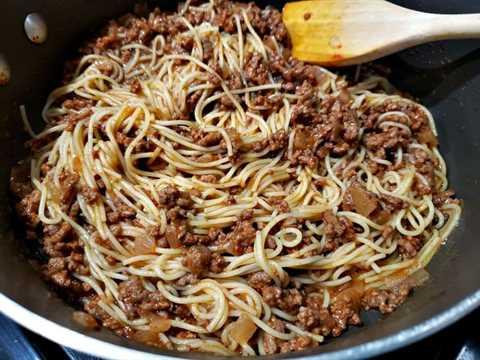"pasta agregada a la mezcla de carne molida ""srcset ="" https://juegoscocinarpasteleria.org/wp-content/uploads/2020/03/1583059083_995_Receta-individual-de-cazuelas-de-espagueti-para-dos.jpg 800w, https: //cdn1.zonacooks.com/wp-content/uploads/2019/06/Individual-Spaghetti-Casseroles-Recipe-for-Two-2-500x375.jpg 500w, https://cdn1.zonacooks.com/wp-content /uploads/2019/06/Individual-Spaghetti-Casseroles-Recipe-for-Two-2-768x576.jpg 768w, https://cdn1.zonacooks.com/wp-content/uploads/2019/06/Individual-Spaghetti- Cazuela-Receta-para-Dos-2-320x240.jpg 320w, https://cdn1.zonacooks.com/wp-content/uploads/2019/06/Individual-Spaghetti-Casseroles-Recipe-for-Two-2-480x360 .jpg 480w, https://cdn1.zonacooks.com/wp-content/uploads/2019/06/Individual-Spaghetti-Casseroles-Recipe-for-Two-2-720x540.jpg 720w, https: //cdn1.zonacooks .com / wp-content / uploads / 2019/06 / Individual-Spaghetti-Casseroles-Recipe-for-Two-2-735x551.jpg 735w ""tamaños ="" (ancho máximo: 800px) 100vw, 800px"