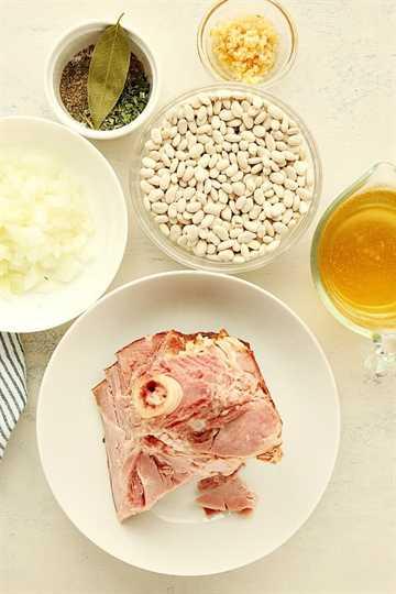 Instant Pot Ingredientes de sopa de jamón y frijoles A Sopa de Jamón y Frijoles (Instant Pot)