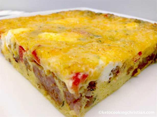 Cazuela de desayuno fácil de salchichas y pimienta - Keto y bajo en carbohidratos