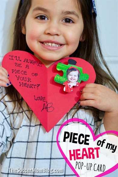 Niños: ¡siempre tendrán un pedazo de tu corazón! ¡Aprende a hacer esta adorable pieza de rompecabezas para niños con tarjetas de San Valentín que los seres queridos atesorarán siempre!