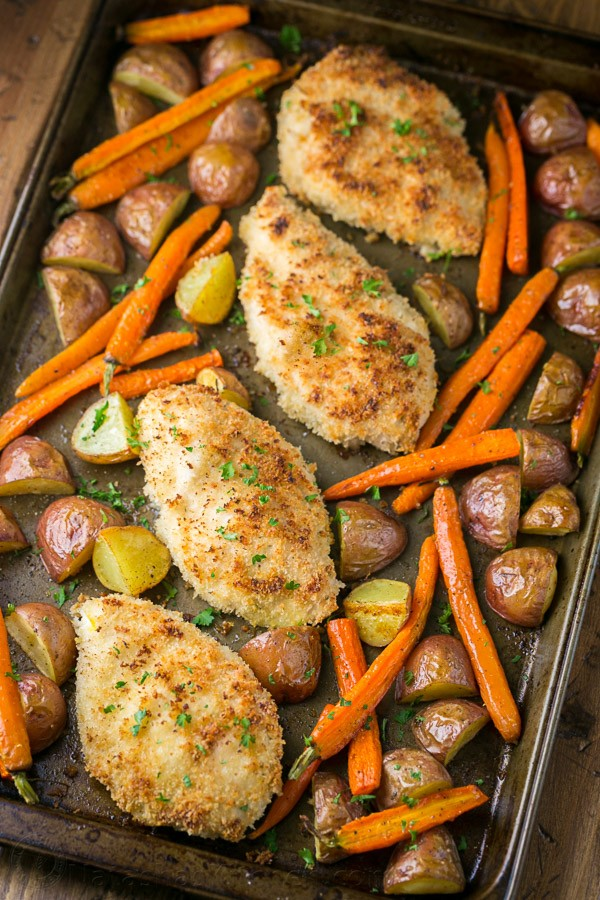 This chicken dinner in a pan is delicious and family friendly. It's a one-pan meal with just 6 ingredients! Such an easy dinner idea.