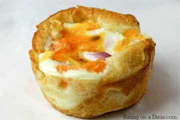 Receta de muffins de huevo para el desayuno. Estas tazas de muffins de huevo súper fáciles se pueden hacer rápidamente cualquier día de la semana. Estas magdalenas de huevo saludables son deliciosas.