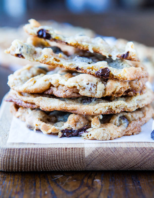 Cornflake-Chocolate-Chip-Marshmallow Cookies - Head-sized Smores-Inspired Cookies with Crispy Baked Cornflake Bunches! It is the famous Momofuku Milkbar recipe and very good!