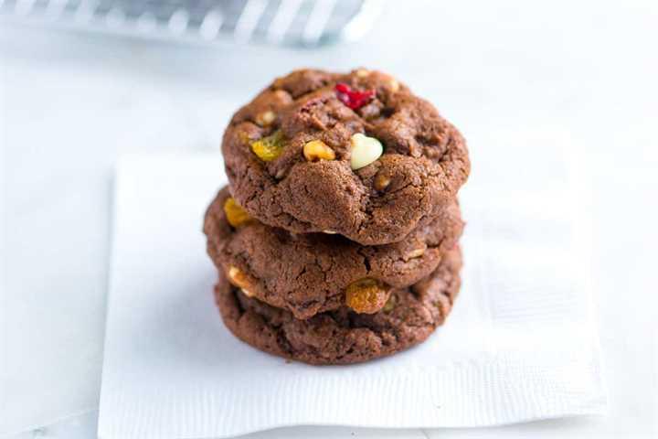 Receta fácil de galletas de chocolate con frutos secos y nueces