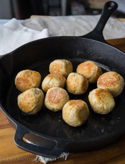 """Sartén de albóndigas de pollo y parmesano """"width ="""" 675 """"height ="""" 885 """"srcset ="""" https://juegoscocinarpasteleria.org/wp-content/uploads/2020/03/1583094726_260_Sarten-de-albondigas-de-pollo-parmesano.jpg 675w, https: / /iwashyoudry.com/wp-content/uploads/2015/09/Chicken-Parmesan-Meatball-Skillet-600x787.jpg 600w, https://iwashyoudry.com/wp-content/uploads/2015/09/Chicken-Parmesan- Meatball-Skillet-500x655.jpg 500w, https://iwashyoudry.com/wp-content/uploads/2015/09/Chicken-Parmesan-Meatball-Skillet-18x24.jpg 18w, https://iwashyoudry.com/wp- content / uploads / 2015/09 / Chicken-Parmesan-Meatball-Skillet-27x36.jpg 27w, https://iwashyoudry.com/wp-content/uploads/2015/09/Chicken-Parmesan-Meatball-Skillet-37x48.jpg 37w """"tamaños ="""" (ancho máximo: 675px) 100vw, 675px"""
