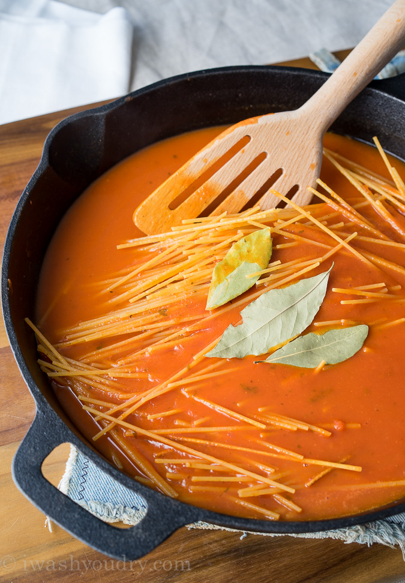 """Sartén de albóndigas de pollo y parmesano """"width ="""" 675 """"height ="""" 972 """"srcset ="""" https://juegoscocinarpasteleria.org/wp-content/uploads/2020/03/1583094726_717_Sarten-de-albondigas-de-pollo-parmesano.jpg 675w, https : //iwashyoudry.com/wp-content/uploads/2015/09/Chicken-Parmesan-Meatball-Skillet-2-600x864.jpg 600w, https://iwashyoudry.com/wp-content/uploads/2015/09/ Chicken-Parmesan-Meatball-Skillet-2-17x24.jpg 17w, https://iwashyoudry.com/wp-content/uploads/2015/09/Chicken-Parmesan-Meatball-Skillet-2-25x36.jpg 25w, https: //iwashyoudry.com/wp-content/uploads/2015/09/Chicken-Parmesan-Meatball-Skillet-2-33x48.jpg 33w """"tamaños ="""" (ancho máximo: 675px) 100vw, 675px"""