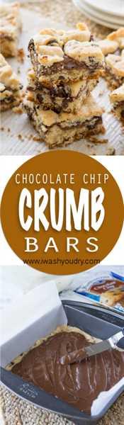 """Estas barras de migas de chispas de chocolate tienen un centro pegajoso de avellanas y chocolate y están hechas con solo 4 ingredientes simples, ¡incluida la mezcla de muffins! ¡Tan fácil! """"Ancho ="""" 293 """"altura ="""" 1000"""