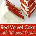 Pastel de terciopelo rojo y glaseado de queso crema batido para dos