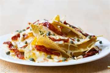 Increíbles Nachos de lujo de 5 minutos: ¡una excelente manera de usar las sobras! #nachos # lujo
