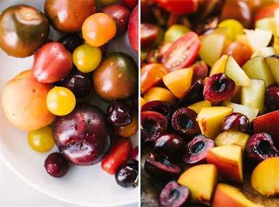 Izquierda: fruta de hueso entera y tomates en un tazón. Derecha, fruta de hueso cortada en cubitos y tomates en una tabla para cortar.