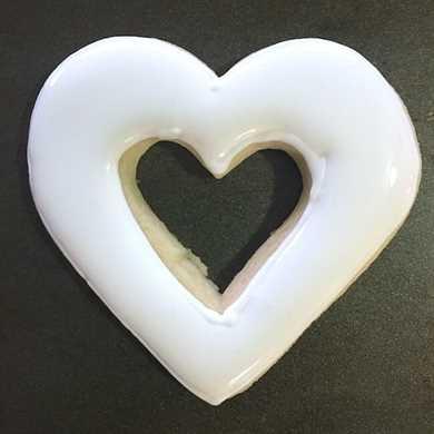 Cómo hacer galletas de azúcar recortadas para el día de San Valentín