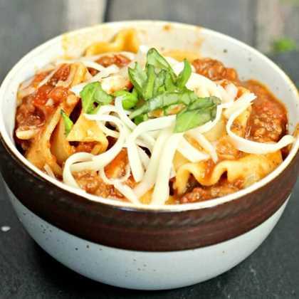 ¡Disfruta de esta deliciosa receta de sopa de lasaña de olla instantánea! ¡Las recetas de olla a presión son tan rápidas! La receta de olla a presión instantánea de sopa de lasaña es cremosa y abundante.