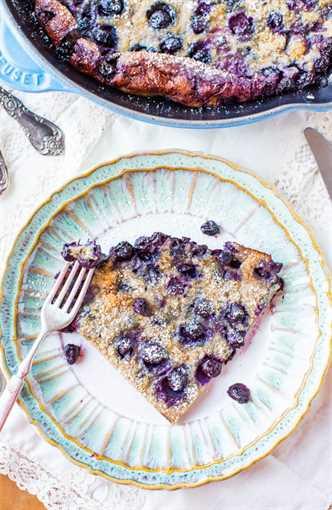 Blueberry Dutch Baby Pancake - Easy Recipe at averiecooks.com
