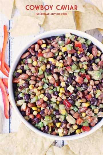 Caviar de vaquero: ¡el caviar de vaquero (también conocido como salsa de vaquero) es perfecto para alimentar a una gran multitud el Cinco de Mayo, el martes de taco o cualquier día que requiera papas fritas y salsa increíbles! El | halfscratched.com