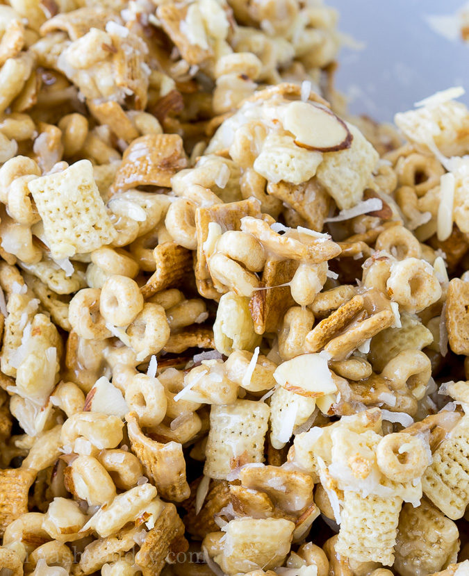 """We love this Gooey Chex Mix recipe for snacks and parties! """"width ="""" 675 """"height ="""" 829 """"srcset ="""" https://iwashyoudry.com/wp-content/uploads/2016/06/Gooey-Chex-Mix-4.jpg 675w, https://iwashyoudry.com /wp-content/uploads/2016/06/Gooey-Chex-Mix-4-600x737.jpg 600w, https://iwashyoudry.com/wp-content/uploads/2016/06/Gooey-Chex-Mix-4- 20x24.jpg 20w, https://iwashyoudry.com/wp-content/uploads/2016/06/Gooey-Chex-Mix-4-29x36.jpg 29w, https://iwashyoudry.com/wp-content/uploads/ 2016/06 / Gooey-Chex-Mix-4-39x48.jpg 39w """"sizes ="""" (maximum width: 675px) 100vw, 675px"""