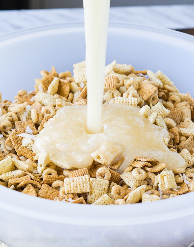 """We love this Gooey Chex Mix recipe for snacks and parties! """"width ="""" 675 """"height ="""" 858 """"srcset ="""" https://iwashyoudry.com/wp-content/uploads/2016/06/Gooey-Chex-Mix-3.jpg 675w, https://iwashyoudry.com /wp-content/uploads/2016/06/Gooey-Chex-Mix-3-600x763.jpg 600w, https://iwashyoudry.com/wp-content/uploads/2016/06/Gooey-Chex-Mix-3- 19x24.jpg 19w, https://iwashyoudry.com/wp-content/uploads/2016/06/Gooey-Chex-Mix-3-28x36.jpg 28w, https://iwashyoudry.com/wp-content/uploads/ 2016/06 / Gooey-Chex-Mix-3-38x48.jpg 38w """"sizes ="""" (maximum width: 675px) 100vw, 675px"""