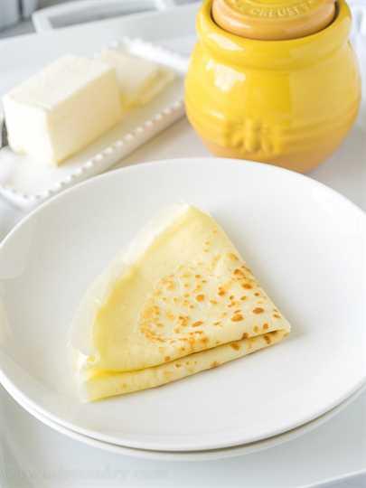 """Estas crepes de mantequilla de miel son muy simples de hacer y se rellenan con mantequilla suave y luego se rocían con miel dulce. Perfecto para el desayuno en la cama! """"Ancho ="""" 675 """"altura ="""" 925 """"srcset ="""" https://iwashyoudry.com/wp-content/uploads/2016/05/Honey-Butter-Crepes-3.jpg 675w, https : //iwashyoudry.com/wp-content/uploads/2016/05/Honey-Butter-Crepes-3-600x822.jpg 600w, https://iwashyoudry.com/wp-content/uploads/2016/05/Honey- Butter-Crepes-3-18x24.jpg 18w, https://iwashyoudry.com/wp-content/uploads/2016/05/Honey-Butter-Crepes-3-26x36.jpg 26w, https://iwashyoudry.com/ wp-content / uploads / 2016/05 / Honey-Butter-Crepes-3-35x48.jpg 35w """"tamaños ="""" (ancho máximo: 675px) 100vw, 675px"""