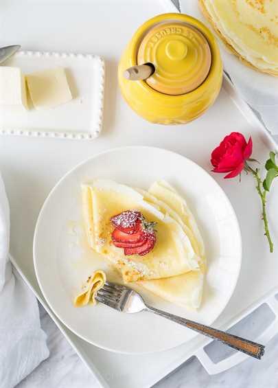 """Estas crepes de mantequilla de miel son muy simples de hacer y se rellenan con mantequilla suave y luego se rocían con miel dulce. ¡Perfecto para el desayuno en la cama! """"Width ="""" 675 """"height ="""" 942 """"srcset ="""" https://iwashyoudry.com/wp-content/uploads/2016/05/Honey-Butter-Crepes-10.jpg 675w, https : //iwashyoudry.com/wp-content/uploads/2016/05/Honey-Butter-Crepes-10-600x837.jpg 600w, https://iwashyoudry.com/wp-content/uploads/2016/05/Honey- Butter-Crepes-10-17x24.jpg 17w, https://iwashyoudry.com/wp-content/uploads/2016/05/Honey-Butter-Crepes-10-26x36.jpg 26w, https://iwashyoudry.com/ wp-content / uploads / 2016/05 / Honey-Butter-Crepes-10-34x48.jpg 34w """"tamaños ="""" (ancho máximo: 675px) 100vw, 675px"""