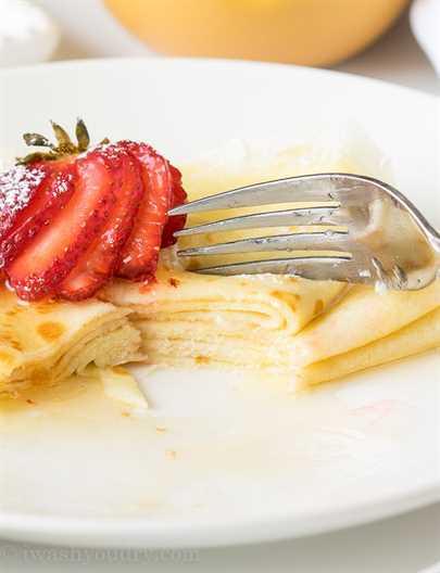 """Estas crepes de mantequilla de miel son muy simples de hacer y se rellenan con mantequilla suave y luego se rocían con miel dulce. Perfecto para el desayuno en la cama! """"Width ="""" 675 """"height ="""" 881 """"srcset ="""" https://iwashyoudry.com/wp-content/uploads/2016/05/Honey-Butter-Crepes-11.jpg 675w, https : //iwashyoudry.com/wp-content/uploads/2016/05/Honey-Butter-Crepes-11-600x783.jpg 600w, https://iwashyoudry.com/wp-content/uploads/2016/05/Honey- Butter-Crepes-11-18x24.jpg 18w, https://iwashyoudry.com/wp-content/uploads/2016/05/Honey-Butter-Crepes-11-28x36.jpg 28w, https://iwashyoudry.com/ wp-content / uploads / 2016/05 / Honey-Butter-Crepes-11-37x48.jpg 37w """"tamaños ="""" (ancho máximo: 675px) 100vw, 675px"""