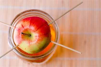 Vodka casero con infusión de manzana