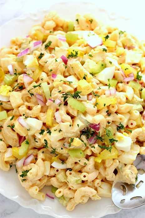 Ensalada de macarrones con huevo relleno 1 Receta de ensalada de macarrones con huevo relleno
