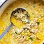 Sopa cremosa de pollo con arroz y coliflor
