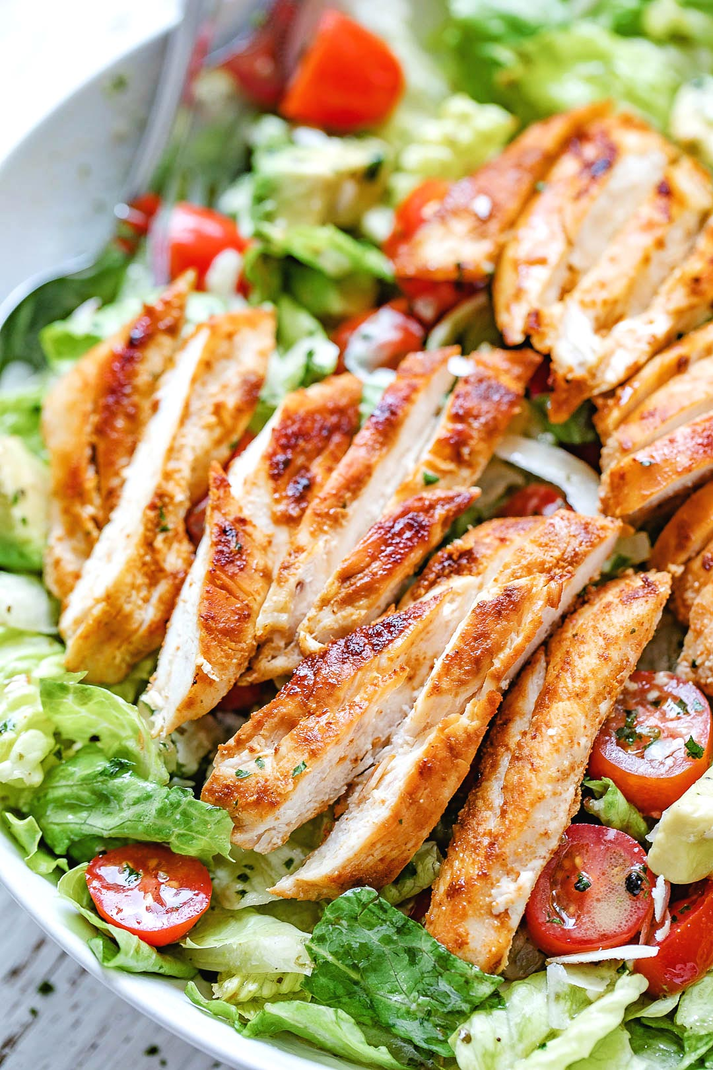 Receta de ensalada de pollo y aguacate ennegrecida 2