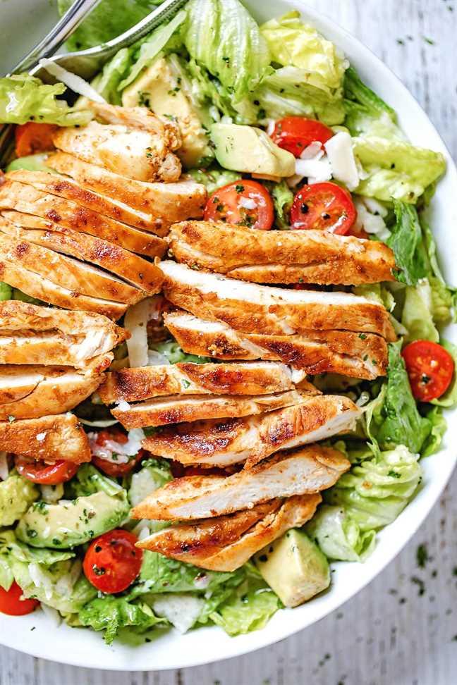 Receta de ensalada de pollo y aguacate ennegrecida 3