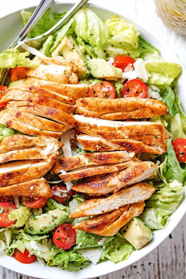 Receta de ensalada de pollo y aguacate ennegrecida 4