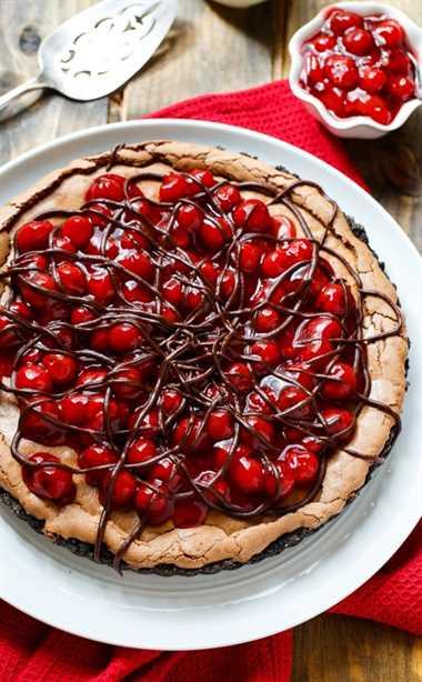 Tarta Selva Negra: súper fácil de hacer con una lata de relleno de pastel de cereza