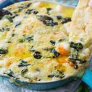 Dip de espinacas y camarones con queso