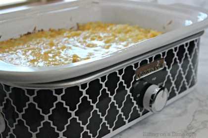 Le encantará esta receta rápida y fácil de cazuela de papa con queso. ¡Finalmente una deliciosa cacerola que no calentará tu cocina!
