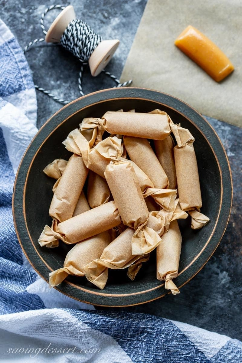 Caramelos de sidra de manzana envueltos