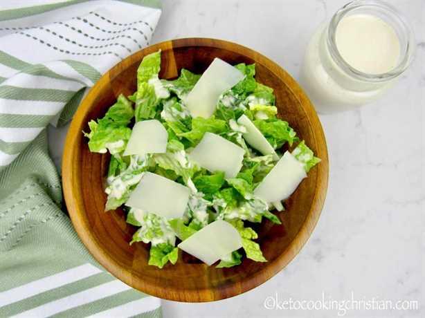 Aderezo para ensalada César - Keto y bajo en carbohidratos