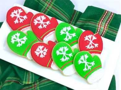 ¡Estas galletas de azúcar de mitón navideñas son casi demasiado lindas para comer! ¡Una magnífica receta navideña perfecta para fiestas, regalos para maestros o para Papá Noel!