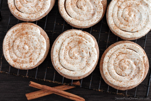 Cinnamon Roll Sugar Cookies de DessertNowDinnerLater.com